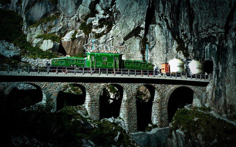 Das Krokodil auf der Gotthard-Bahn im Traumwerk