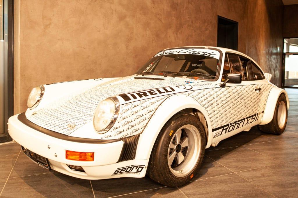 Porsche 911 mit Unterschriften Walter Röhrl